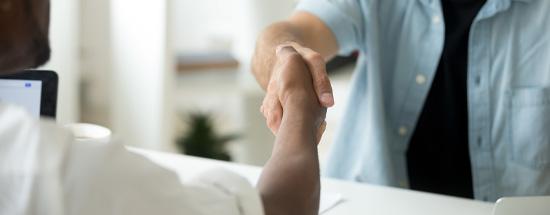 Image d'une poignée de main